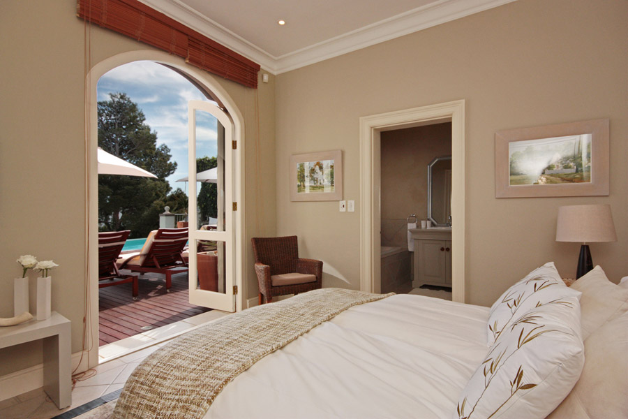 Blue dream camps bay cape town luxury villa rental accommodation - Farben wohnzimmer wand ...